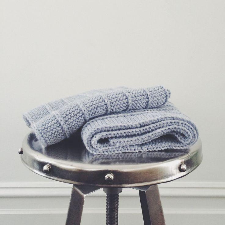 Knit • Scarf