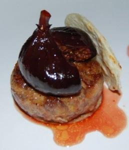 Receta para elaborar la mini hamburguesa de foie con cebolla caramelizada