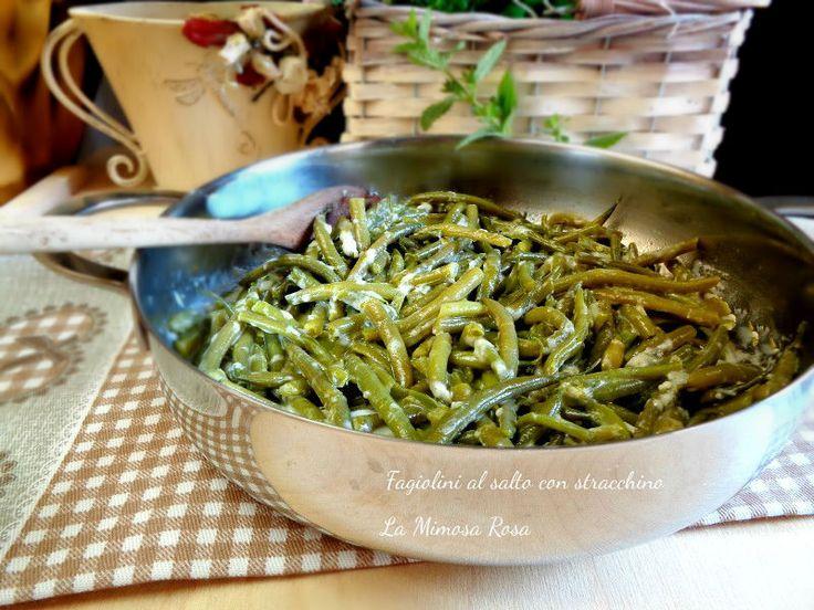 Ottimo contorno di stagione i fagiolini in padella con stracchino e menta! Ottimi da servire anche come secondo piatto o piatto unico!