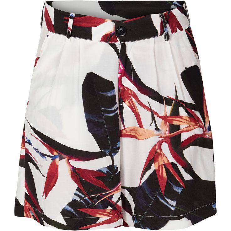 Jasmine shorts Pretty flared shorts with paradise flower print. Black Swan Fashion SS17