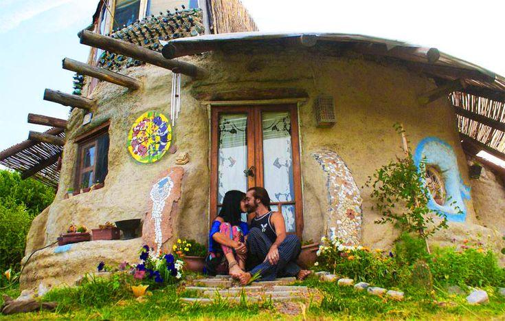 Ils réalisent leur rêve : un «éco-dome» loin du bruit du monde