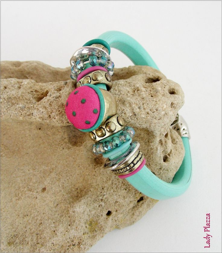 Bracelet Cuir bleu-turquoise - Cabochon, perles cristal, métal - sur mesure : Bracelet par ladyplazza