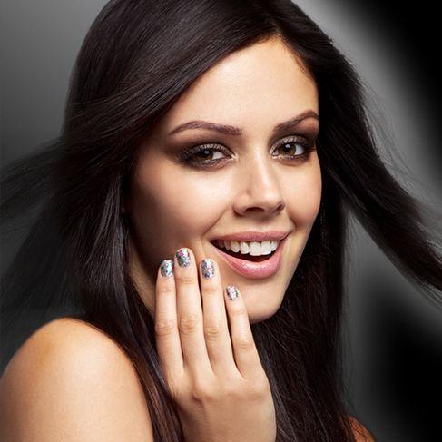Akrylové nebo gelové nehty