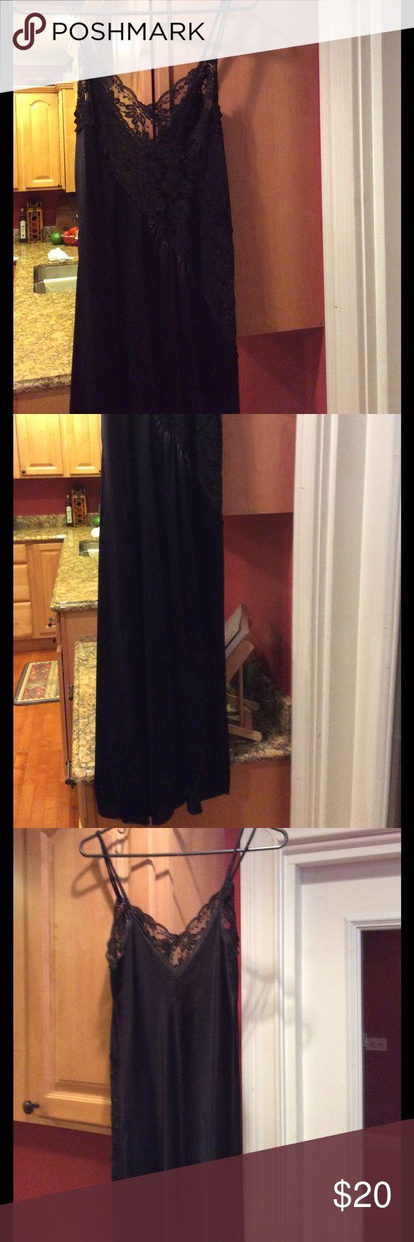 Vintage Val Mode Lingerie Vintage black negligee w/lace Val Mode Intimates & Sleepwear Chemises & Slips