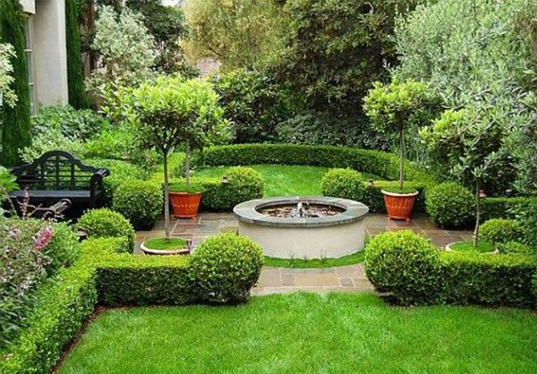 Yard landscaping ideas outdoor spaces pinterest for Front yard landscaping small space