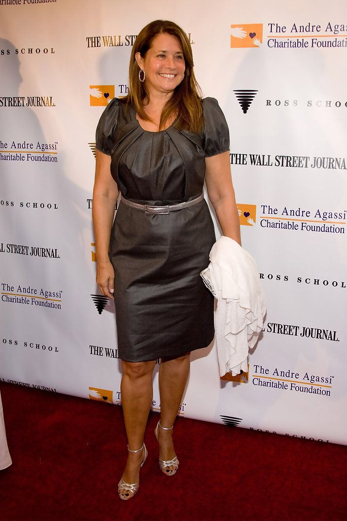 American Actress Lorraine Bracco...Hot celebrity Hairstyles... She is best known for her roles as Dr. Jennifer Melfi on the HBO series The Sopranos and as Karen Hill in the 1990 Martin Scorsese film Goodfellas.
