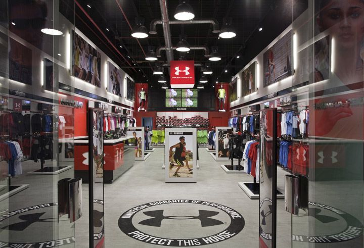 Storeage creates Under Armours first European OUTLET store in Madrid store design