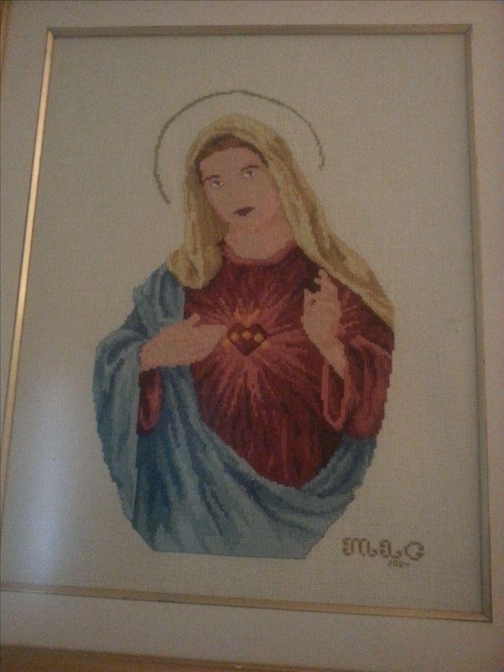 Bordado a punto de Cruz. Virgen Corazón de María. Maigualida Lanz
