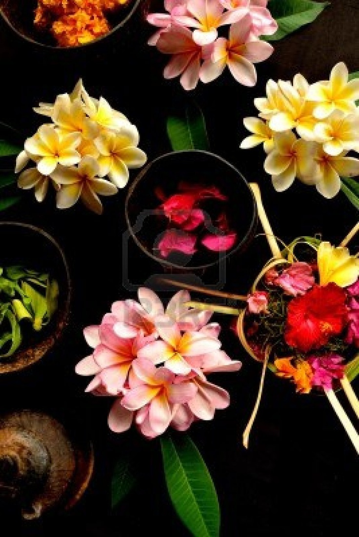 Balinese Hindu offerings with flowers