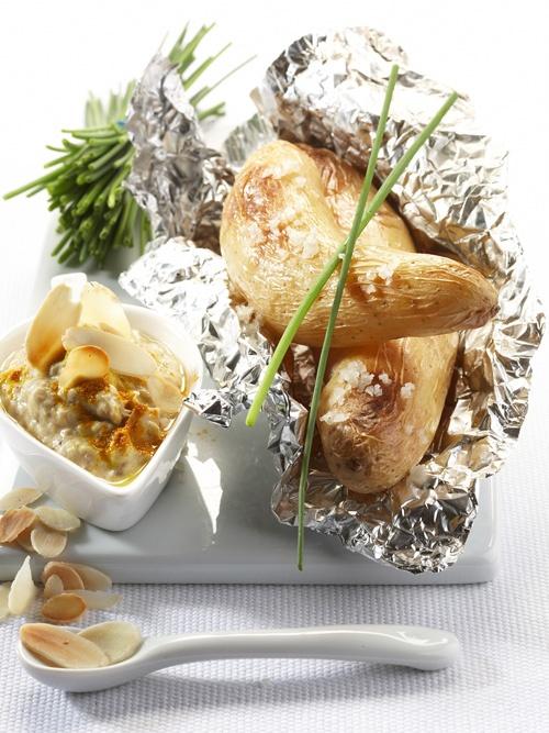 Ratte du Touquet en papillotte à la crème de sardines    http://www.cuisine-plus.tv/cid9537/rattes-du-touquet-classiques-en-papillottes-a-la-creme-de-sardines.html