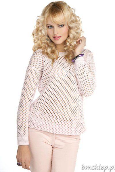 Zjawiskowy, ażurowy sweterek damski. Dekolt okrągły. Rękaw długi #kimono. Swetrek wykonany z przyjemnej w dotyku, świetnej jakości dzianiny, przeplatanej brokatową nitką. Rewelacyjnie prezentuje się na sylwetce. Produkt wyprodukowany w Polsce. Nie zwlekaj zamów już dziś! Skład: 95% akryl, 5% nić metalizowana.... #Swetry - http://bmsklep.pl/mikos-0516