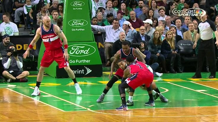 """Phil Pressey """"Hikes"""" the Ball to Bass for the Slam"""