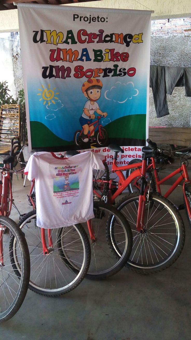 A associação MIRACEMA pedaladas estará fazendo a entrega de 23 bicicletas para alunos (crianças carentes) de escolas publicas de nossa cidade nesse dia 19 a partir da 7:30 na porta da DUVALLI FARMA.  As bicicletas eram sucateadas e foram recuperadas com apoio de amigos, simpatizantes , empresários e pela prefeitura de MIRACEMA