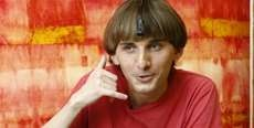 The Neil Harbisson 'I Listen to Color' Keynote Discusses His Electronic Eye Device #mostamazinggadgets #techgadgets trendhunter.com