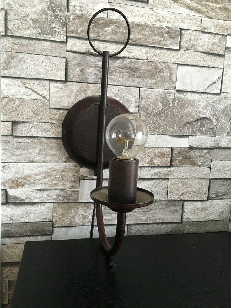 Fin lampe Har 2 like, selges hver for seg eller samlet. 150,- per stk.