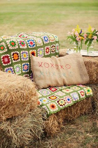 Straw bale couch with gorgeous handknitted blanket..: Crochet Blankets, Outdoor Seats, Minis Session, Straws Bale, Country Wedding Decor, Outdoor Parties, Granny Squares, Hay Bale, Photo Shooting