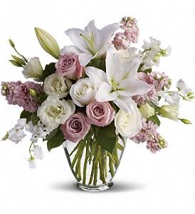 http://www.hendersonflowershop.com/lebanon-flowers/isnt-it-romantic-372868p.asp?rcid=129698&point=1