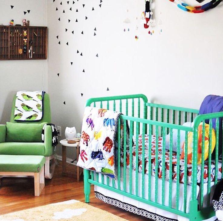 Большинство родителей предпочитает белые кроватки, но для светлой комнаты можно выбрать и цветную😍 __________________________________________________ Фото @projectnursery #интерьер_royaldream  #royaldream #вседлясна #детскаяпостель #детскийсон #постелька #babybedding #nurserydecor #nursey #babyshop #babyshower #kidsdecor #babyboy #babygirl #kidsinterior #newborn #kidsmood #kidsroom #kidstagram #kids #instagram_kids #instakids #instamama #interiordecor #interiordecorating #interiordecoration…