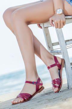 Deripabuc - Çeşme Hakiki Vaketa Deri Kırmızı Kadın Sandalet https://modasto.com/deripabuc-cesme/kadin-ayakkabi-sandalet/br84465ct19