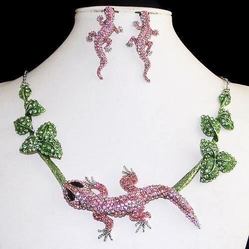 'Lizzaard' is going up for auction at 11am Fri, Dec 21 with a starting bid of $30.