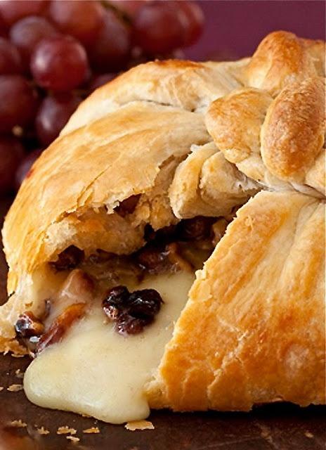 Brie En Croute w Cranberries & Pecans- sans the cranberry sauce, blah