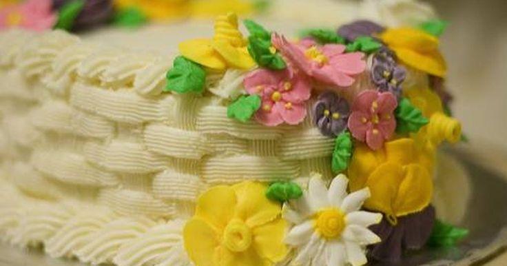 Cómo hacer flores con glaseado de torta