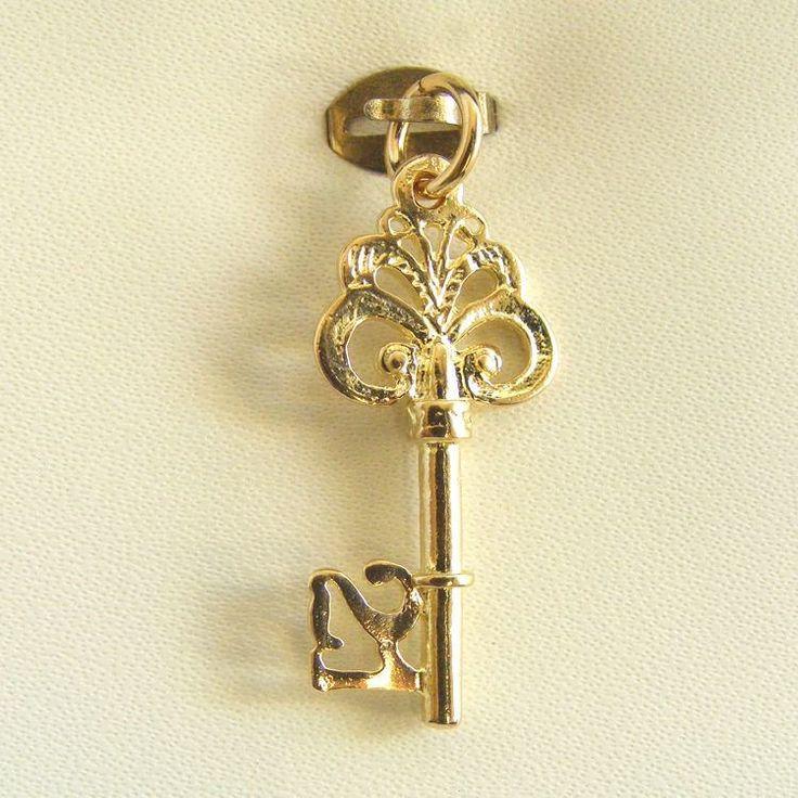 https://flic.kr/p/Sx4gNy | Solid Gold Charms Made in Australia - Shop for Jewellery | Follow Us : www.facebook.com/chainmeup.promo  Follow Us : plus.google.com/u/0/106603022662648284115/posts  Follow Us : au.linkedin.com/pub/ross-fraser/36/7a4/aa2  Follow Us : twitter.com/chainmeup  Follow Us : au.pinterest.com/rossfraser98/