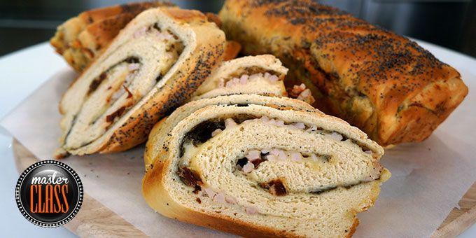 Γεμιστό ψωμί με αλλαντικά τυριά