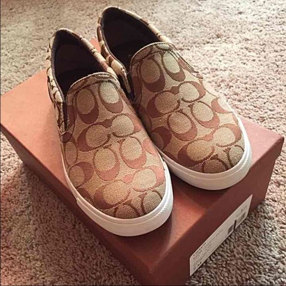 Authentic Coach sneaker shoes Never worn comes with box!!! Coach Shoes