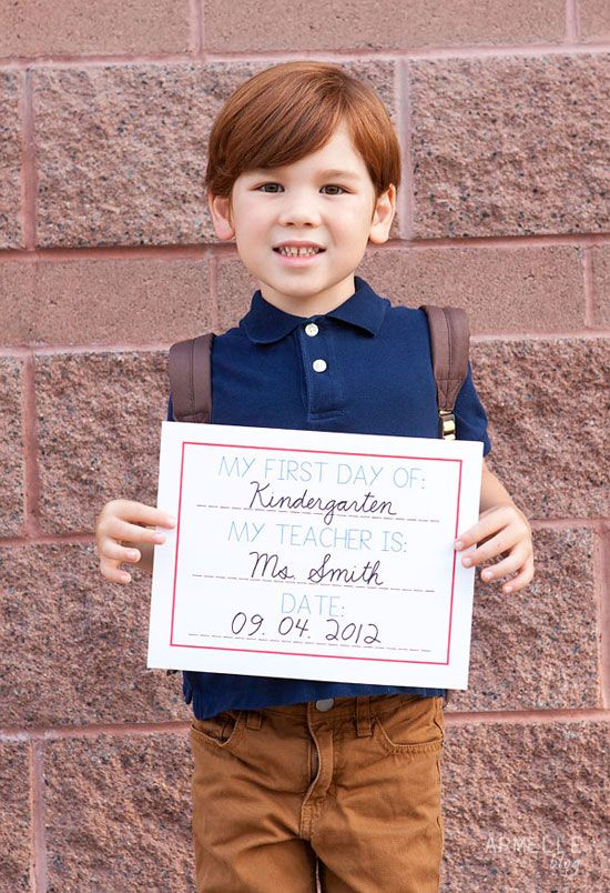 first day of school free printable sign download.  fill it out, and snap a picture of you child on their first day.  that way you will never forget what they looked like on their first day of school!  // armelle blog    #backtoschool #firstdayofschool #pictures