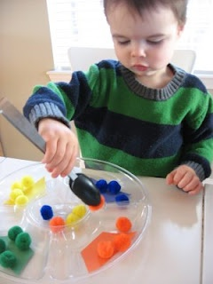 MATCHMAKER MAKE ME A MATCH! - Pinching Pom Poms (fine motor & color matching)