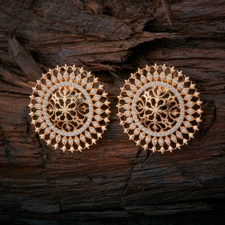 Its a earing witch is look like the wheel, looking excellect www.shopzters.com