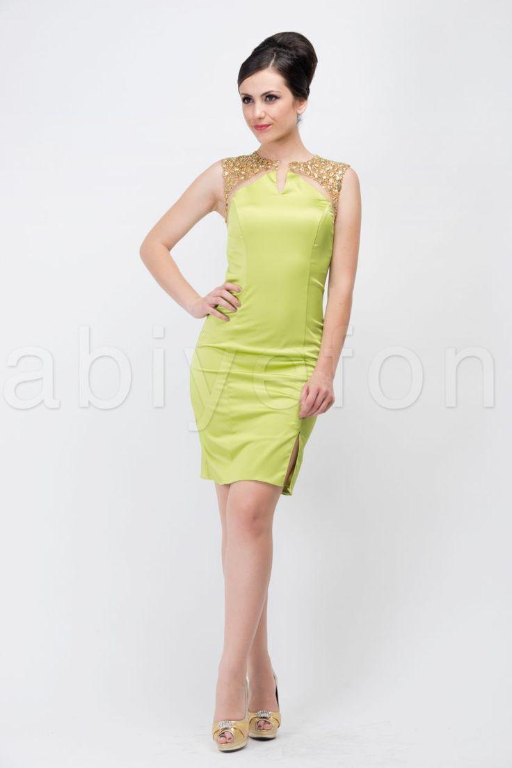 En güzel mezuniyet elbise modelleri için Abiyefon'a göz atın.