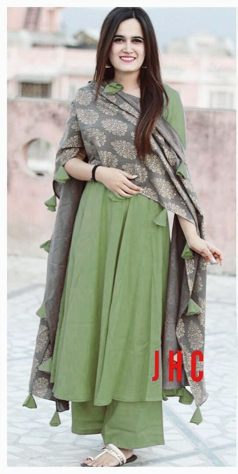 Shop 48+ Best Rutbaa Khan Palazoo Suits Online | Wahid | Indian