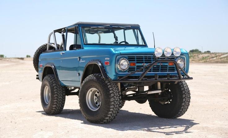 Classic ford bronco beautiful blue paint  Timkhana