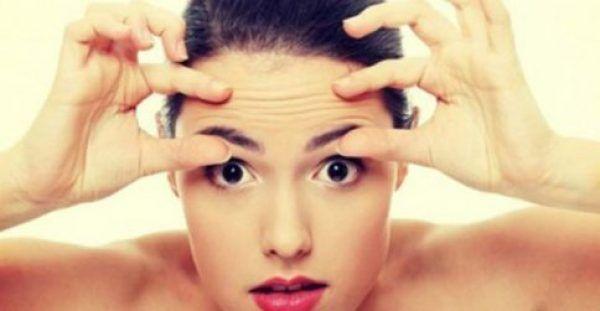 Υγεία - Πρόκειται για μια σπιτική συνταγή με φύλλα μαϊντανού και μηλόξιδο ή χυμό από λεμόνι, που θα σας βοηθήσει να λευκάνετε το δέρμα σας και να το καθαρίσετε από