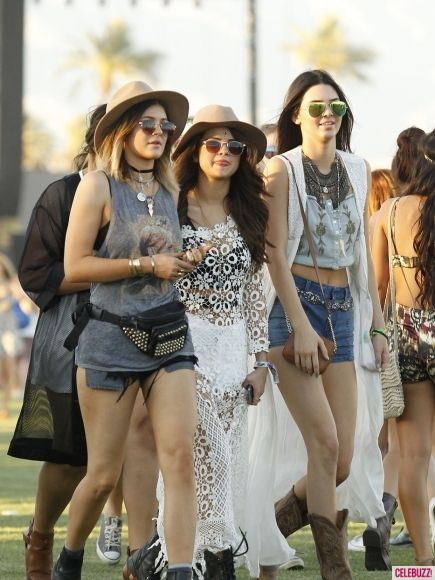 """What's Really Going on With Selena Gomez and Her """"Friend Purge""""? Find Out Here!"""