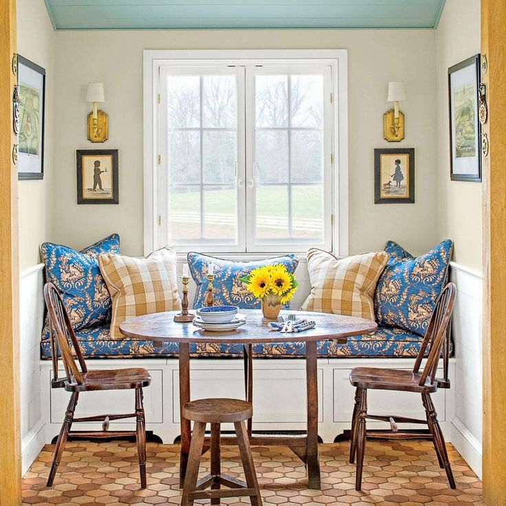 17 best images about window seat seating area on for Window seat dining