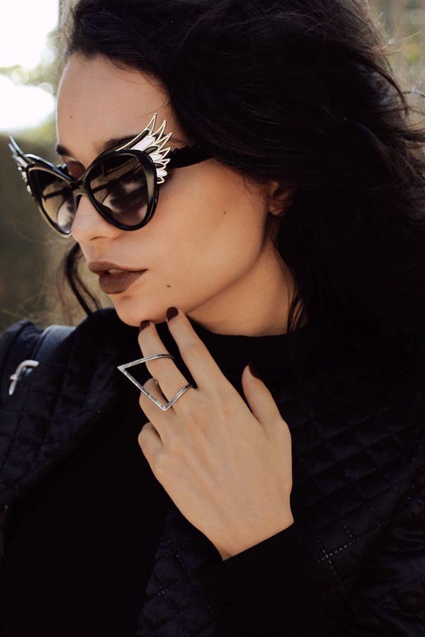 Alana Ruas:  Oversize Women's Cat Eye Wing Tip Sunglasses 9953