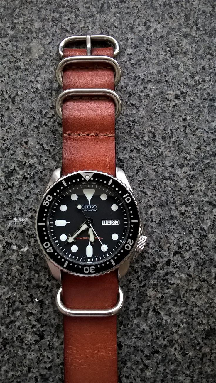 Seiko SKX007 on a leather Zulu strap