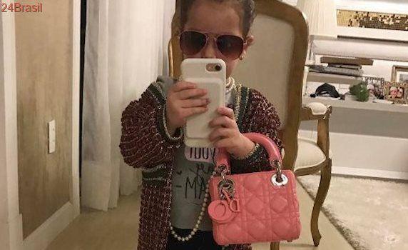 Filha de 2 anos do cantor Wesley Safadão usa bolsa de 8 mil