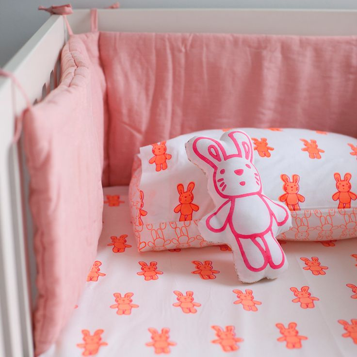 Pink linen cot bed bumper