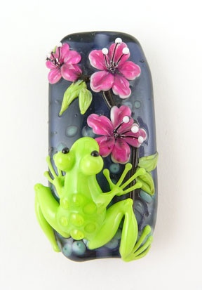 frog on flower bead