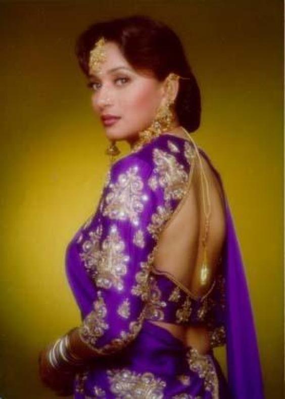 Madhuri Dixit In Hum Aapke Hain Kaun | Kingsmen | Madhuri ...