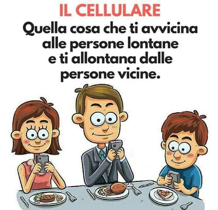 Il cellulare.