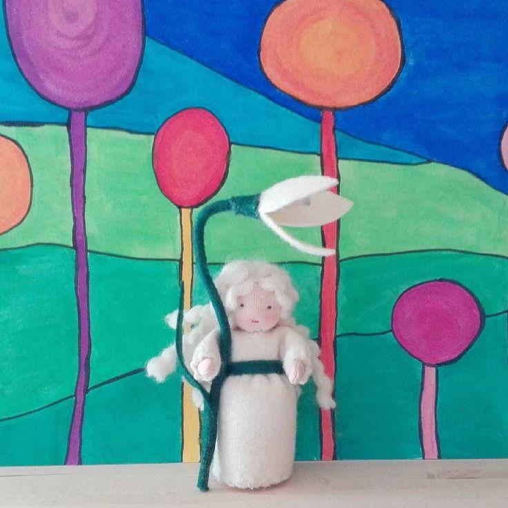 Waiting for spring. :) #waldorf #waldorfdoll #waldorfmom #seasontable #snowdrop #flowerchild #waldorfbaba #évszakasztal #virággyermek #hóvirág  #steinerdoll #tavasz #spring #babakészítés #blumenkind