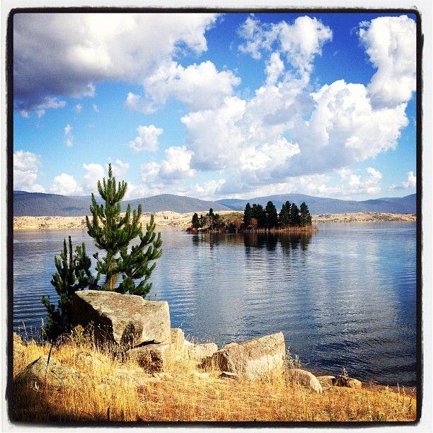 Quiet on the Lake Jindabyne http://www.ursulasweeklywanders.com/
