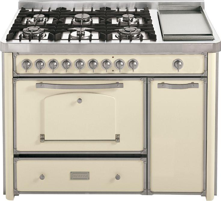 Cucina da 123 con piano cottura 4 gas, 2 tripla corona e Fry Top