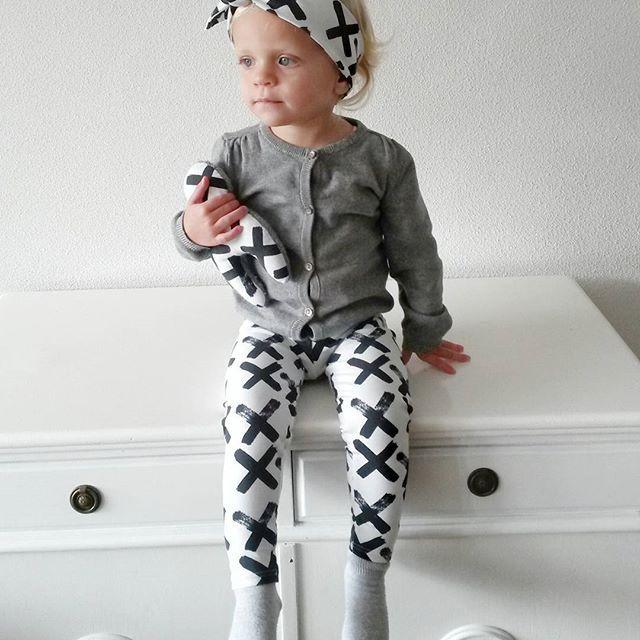 - www.noez.nl -  legging Black X met bijpassend haarbandje en knuffel