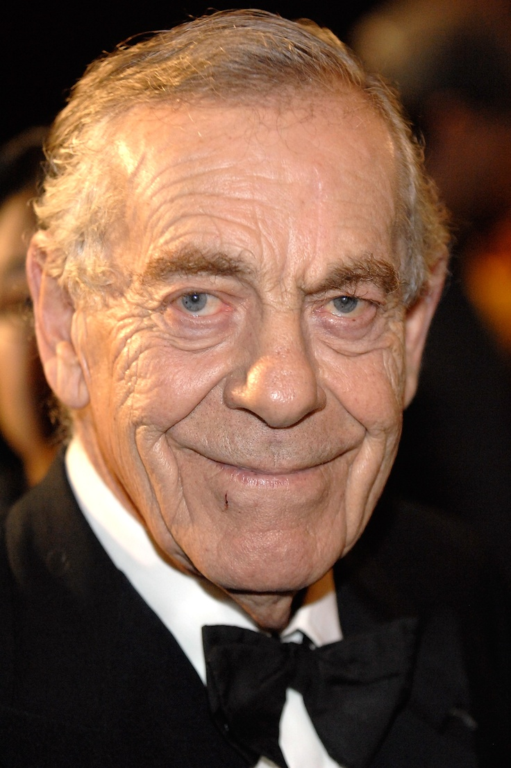 Morley Safer (November 8, 1931 - ) Canadian reporter and correspondent for CBS News. He is best known for his long tenure on the newsmagazine 60 Minutes, which began in December 1970.